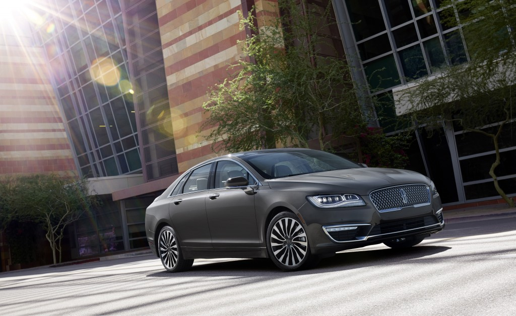 Lincoln-exclusive 3.0-liter GTDI V6 engine provides effortless performance on the new 2017 Lincoln MKZ.